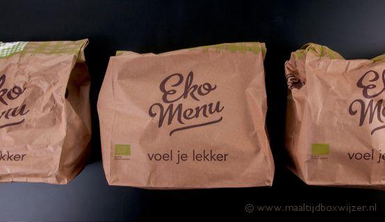 Papieren zakken met de verschillende gerechten
