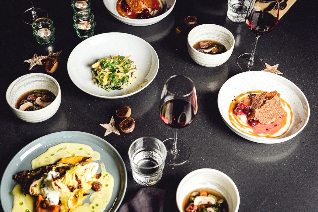 De gerechten van de willem&drees kerstbox op tafel
